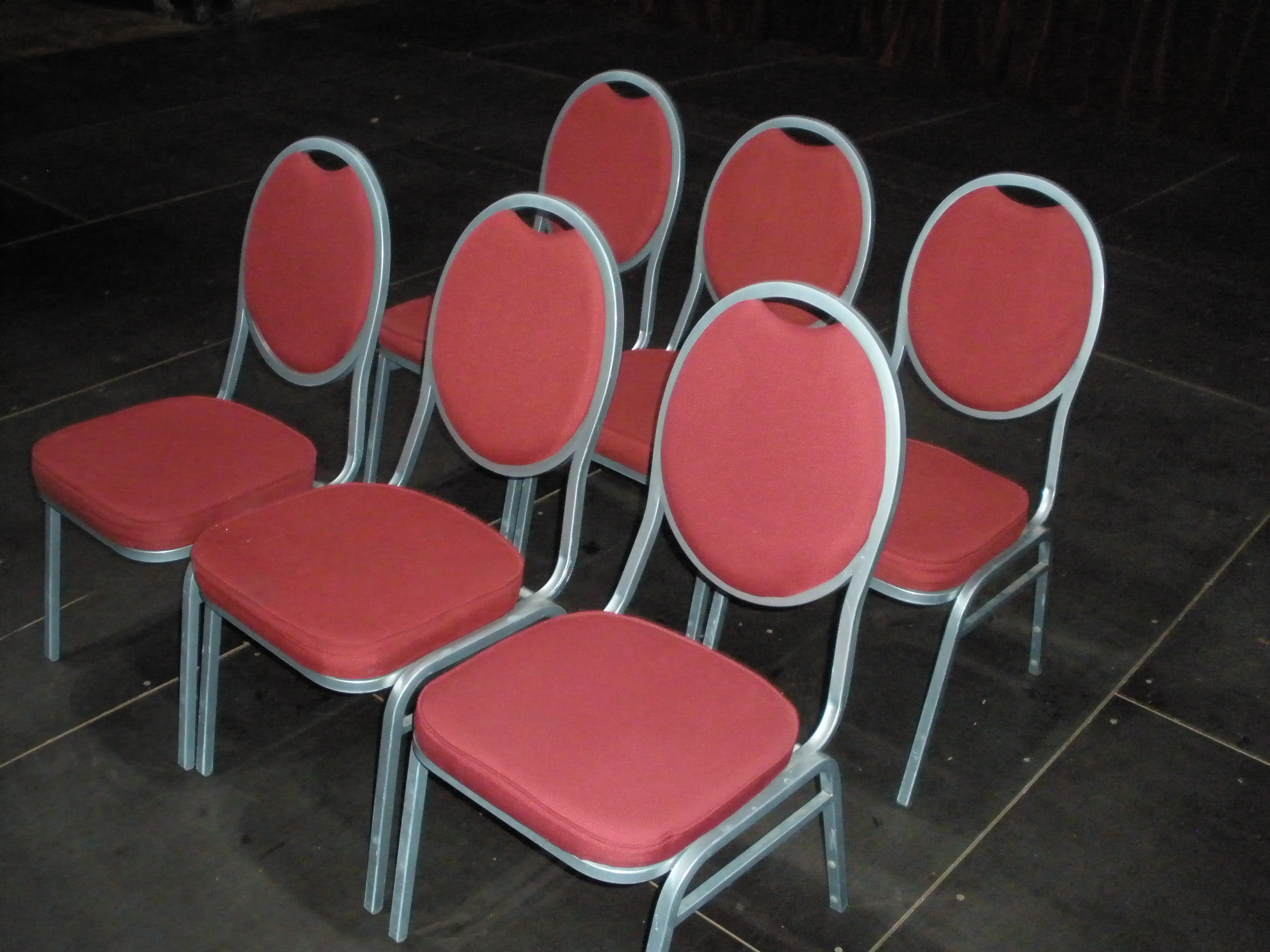 Circusevents Koeln padded chairs red